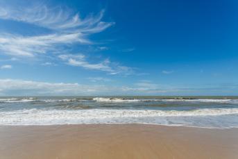 Praia na Costa do Descobrimento, Porto Seguro-Bahia, Brasil - Foto 2 - Praia